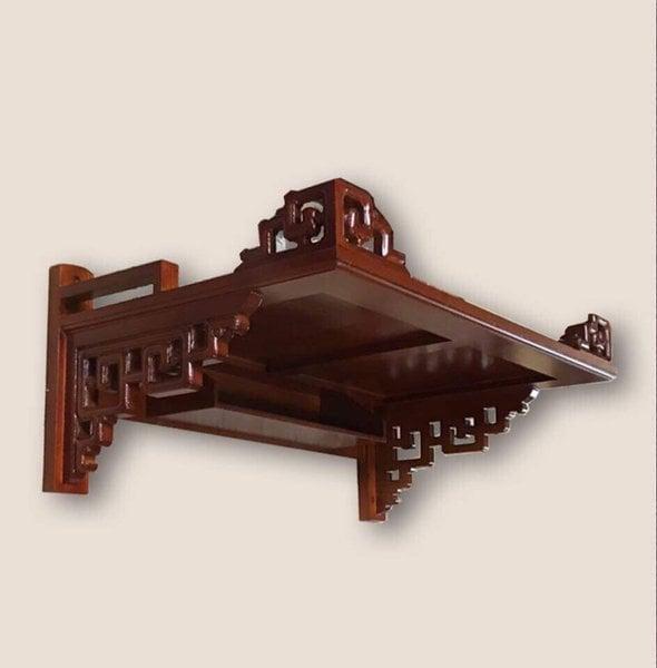 Bàn thờ gỗ gụ luôn được ưa chuộng bởi tính tính chất siêu bền