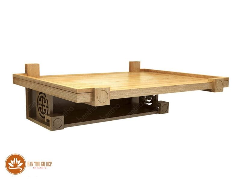 Bàn thờ tại đây được sản xuất từ 100% gỗ tự nhiên