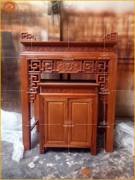 Mẫu bàn thờ gỗ hương cho nhà chung cư luôn mang màu sắc sang trọng đẳng cấp