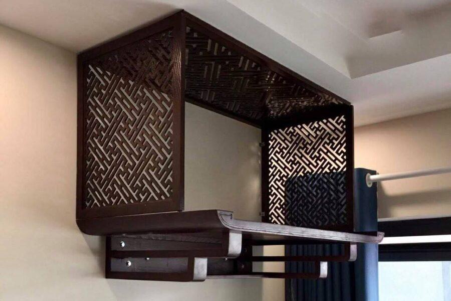 Bàn thờ treo tường với chất liệu gỗ đẹp tự nhiên 100%