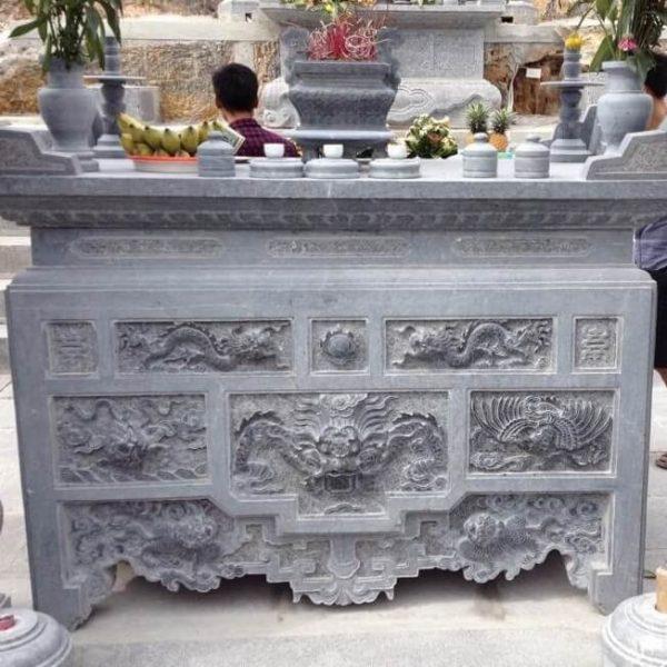 Bàn thờ đá và ý nghĩa trong văn hóa tâm linh người Việt