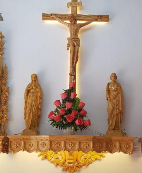 Mẫu bàn thờ chúa đẹp