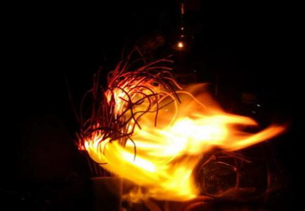 Cách hóa giải khi bàn thờ cháy