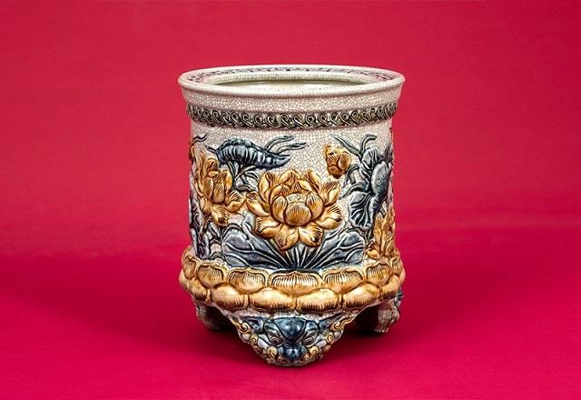 Giá trị văn hóa của bát hương trên bàn thờ