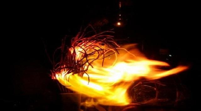 Nguyên nhân dẫn đến bát hương bị bốc cháy