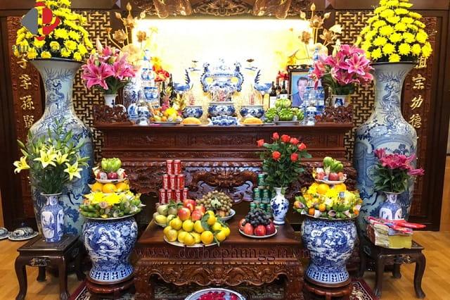 Ý nghĩa tâm linh của bát hương trên bàn thờ