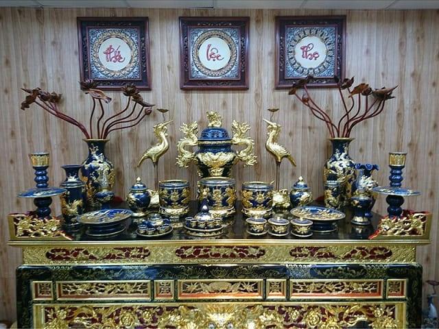 Vị trí đặt bát hương trên bàn thờ gia tiên