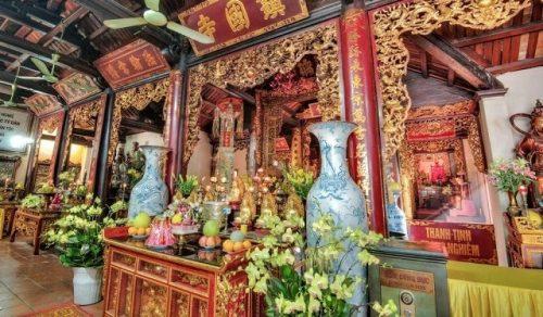 Cần sắm lễ vật gì khi đi lễ chùa?