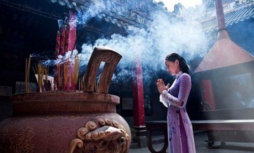 Một số điều kiêng kỵ khi đi chùa, bạn có biết?