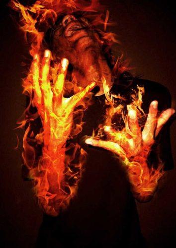 Mơ thấy mình bị bốc cháy báo hiệu rằng bạn cần kiềm chế cảm xúc của mình.