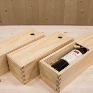 Những lưu ý khi mua hộp gỗ thông đựng rượu