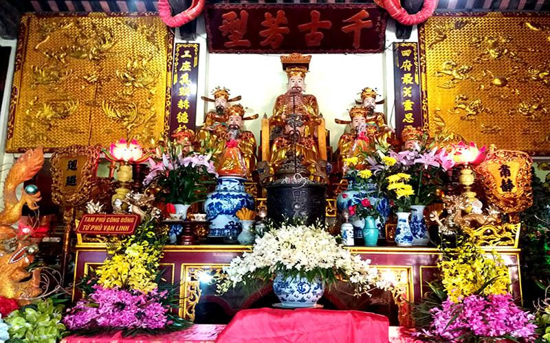 Sắm lễ khi đi đền ông Hoàng Bảy