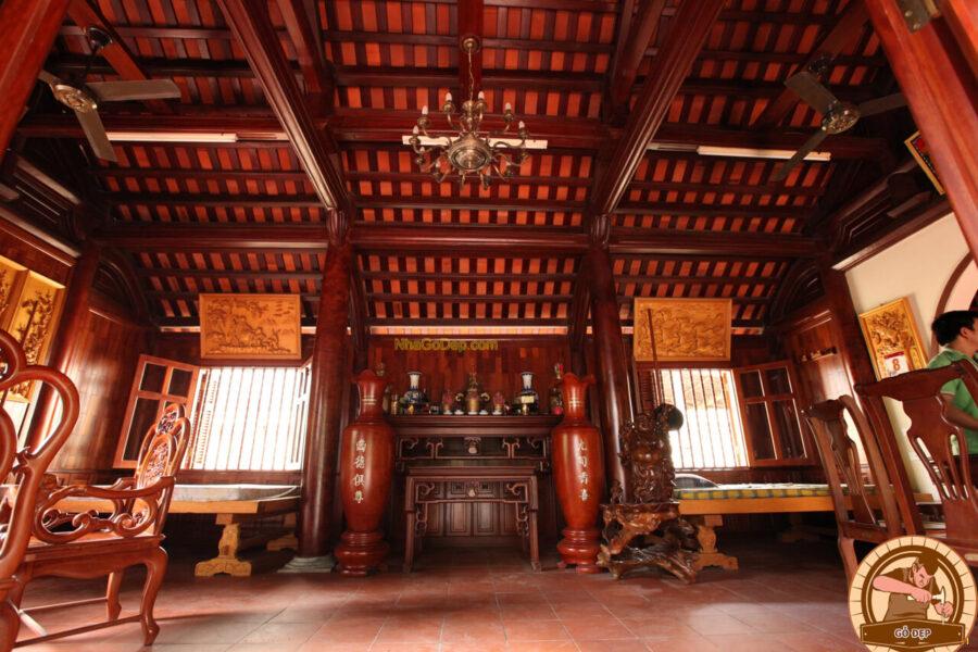 Trên bàn thờ tổ tiên theo phong tục xưa sẽ có từ 1 đến 3 bát lư hương