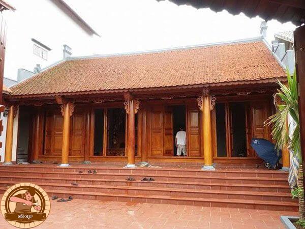 Gian thờ chính của bàn thờ tổ tiên sẽ chia thành 2 hoặc 3 cấp.